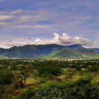 Cerro frente a carretera de Zinahua, Gro.