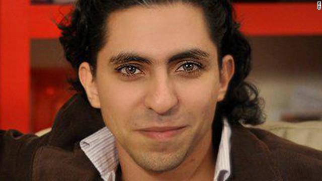 """La mujer del bloguero señala al diario inglés The Independent que la justicia saudí pretende que Badawi """"se someta a un nuevo juicio por apostasía"""" Badawi, actualmente en prisión, sólo ha recibido 50 de los 1.000 latigazos, que han tenido que ser aplazados por """"motivos médicos"""""""