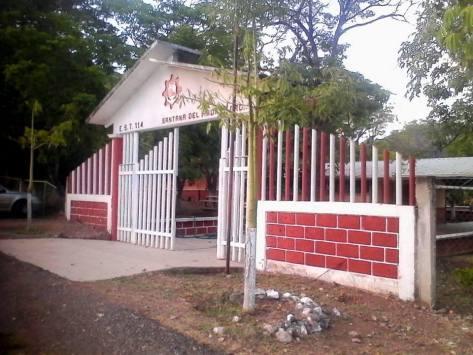 secundaria tecnica santana del ÁGUILA.jpg