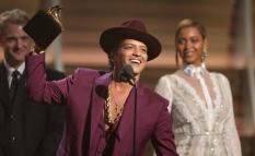 Bruno Mars ganó el Premio principal de la noche en los Grammy. Grabación del Año por Uptown Funk.