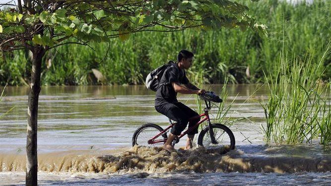 lluvias-dejan-muertos-heridos-Colombia_911319293_11141095_667x375.jpg