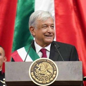 AMLO se muestra contento después de ser reconocido como Presidente de los Estados Unidos Mexicanos.